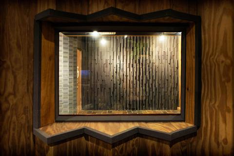 Window-480